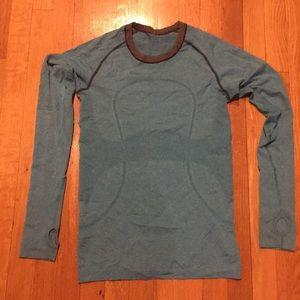 Long sleeve lightweight top -size 6